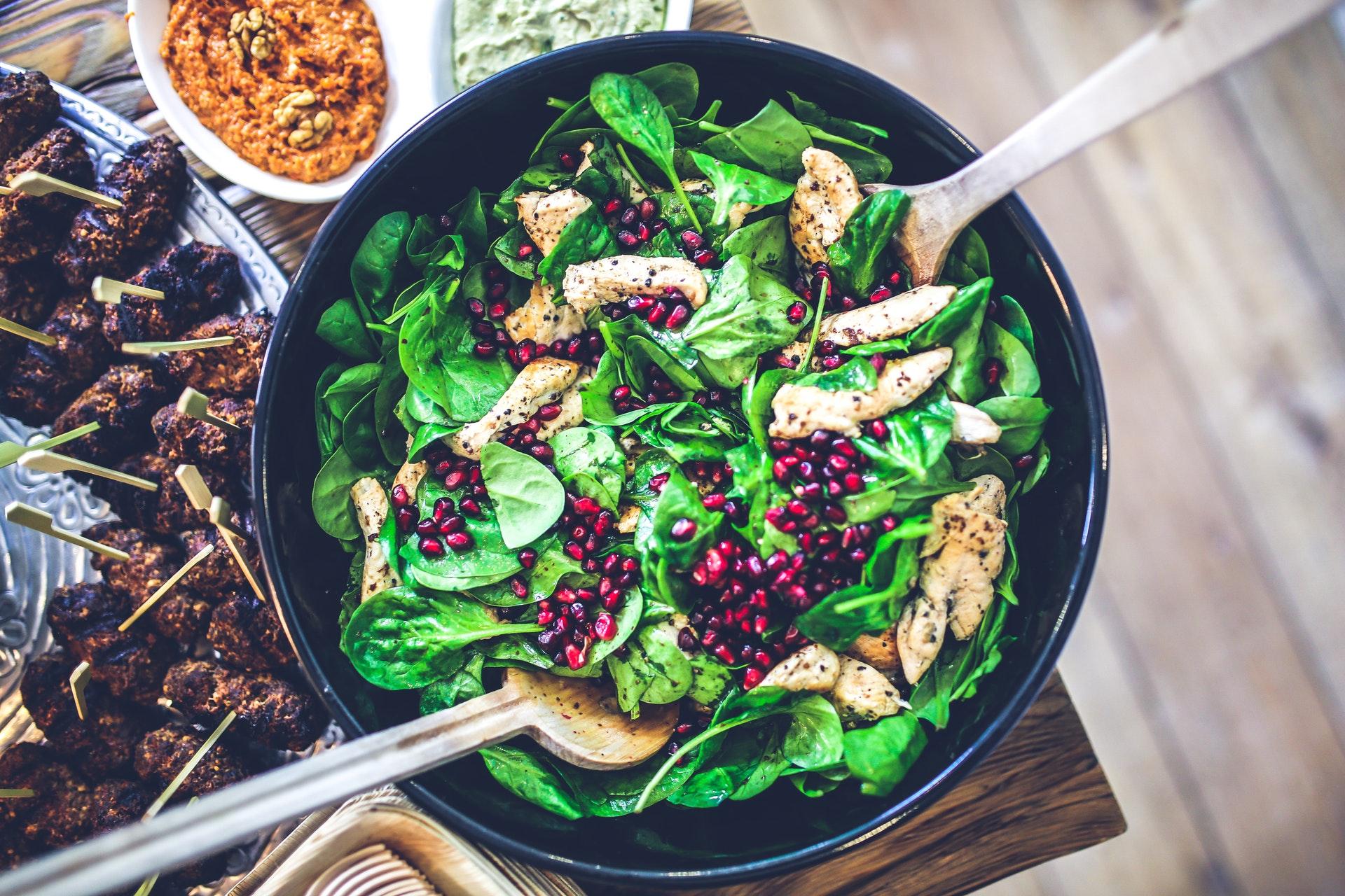 zdravý salát se špenátem